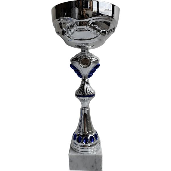 Coppa sportiva con base in marmo bianco e tazza in metallo